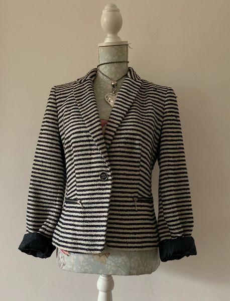 Atmosphere Black & Ivory Bouclé Cropped Polyester Mix Jacket Size 12