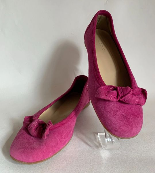 Hobbs Cerise Suede Leather Round Toe Bow Front Ballet Flat Court Shoe Size UK 4 EU 37