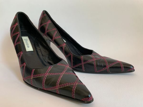Dune Black Stiletto Leather Court Shoes With Cerise & White Stitch Work UK 4