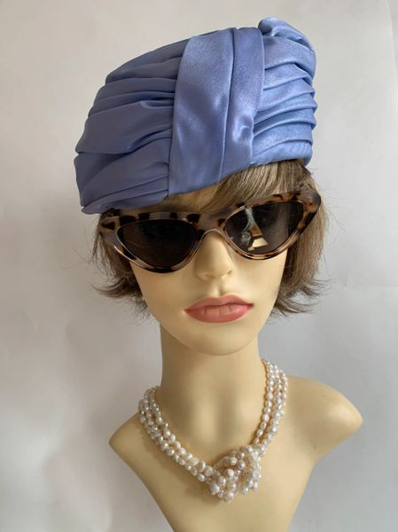 """Vintage 1960s Jackie O Light Blue Turban Pleated Fabric Hat 21"""" Fully Lined"""