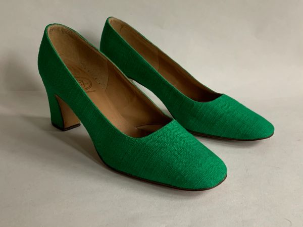 Bally Tiara Bright Green Fabric Covered Mid Heel Court Shoe Size UK 4b EU 37b US 6b
