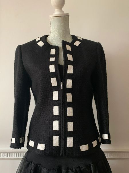 Black Bouclé Wool Blend Fitted Jacket Fully Lined Zip Closure Size 10