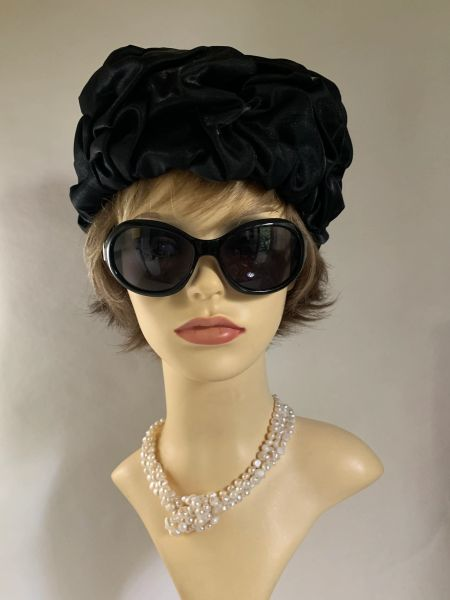 Madeleine Laroche Vintage 1960s Black Satin Turban Style Gathered Pleat Hat 21 Inch Fully Lined