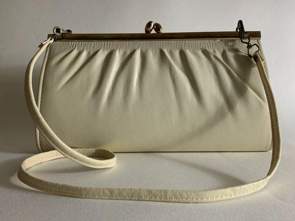 1970s Vintage Cream Faux Leather Clutch Shoulder Bag With Black Faux Suede Lining