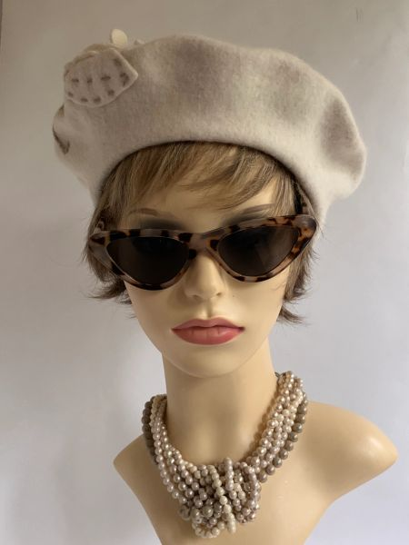 Ivory 1960s Vintage Inspired Flower Decorated French Style Wool Fine Knit Beret Unlined