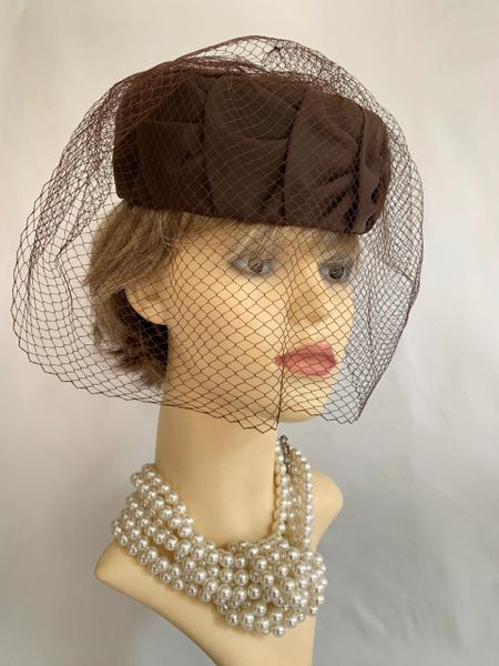 Vintage 1960s Brown Pleated Nylon Pillbox Hat With Net Face Veil Fully Lined