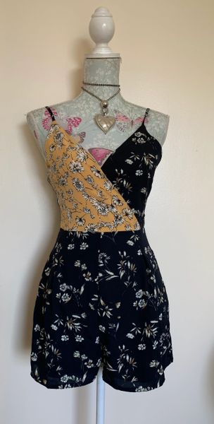 Misguided Spaghetti Strap Black Mixed Floral Cami Wrap Playsuit Size 8.