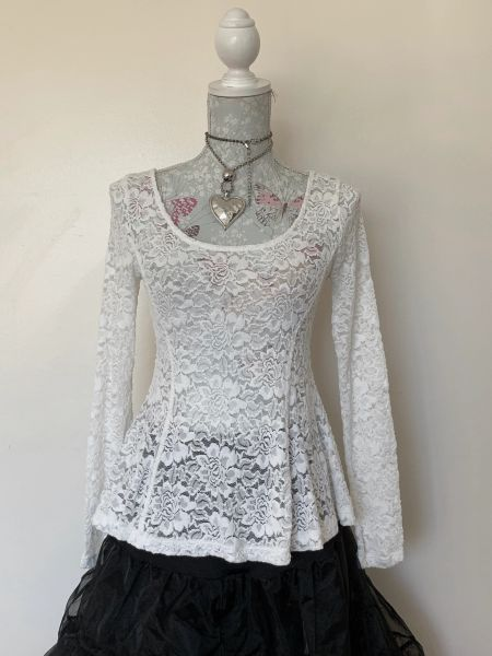 H&M Divided Ivory Long Sleeve Floral Lace Stretch Round Neck Top Size Medium UK 12/14 .