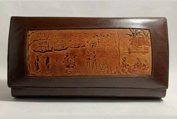 Brown Vintage 1980s Bangladesh Souvenirs Leather Clutch Bag Faux Suede Interior
