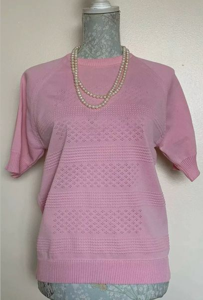 Countess Vintage 1960s Pink Nylon Short Sleeve Sweater Size 14 (38) .