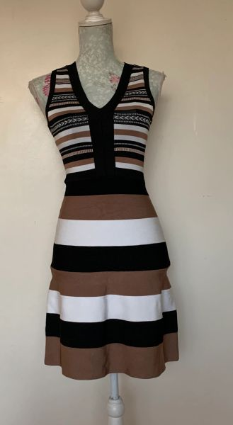 Karen Millen Striped And Chevron Pattern In Black Coffee & White V Neck Fitted Mini Dress flaring out from waist Size XS UK 6.