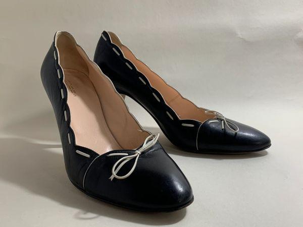 HOBBS Black Leather Stitch Pattern Round Toe 3.75' Heel Court Shoe Size UK 7 EU 40