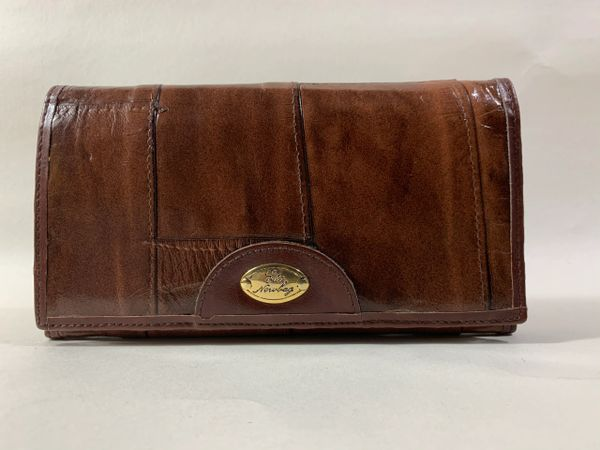 Elite Newbag 1970s Vintage Brown Eel Skin Bi-fold Wallet Coin Purse Suede Lined.