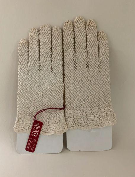 Dents Vintage Ivory Crochet Fish Net Stocking Wrist Length Gloves Size 6.