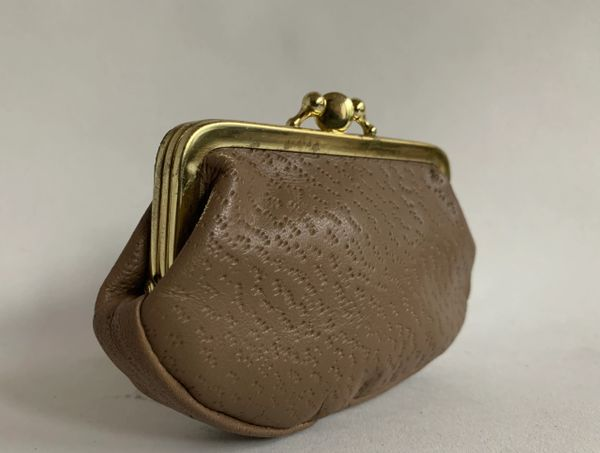 Vintage 1950s Taupe Leather Double Sided Kiss Clasp Coin Purse Buff Suede Lining