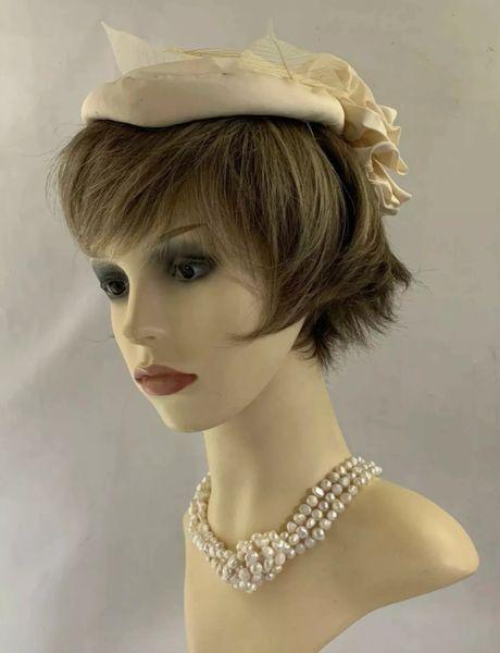 Josephine Tripoli Vintage 1960s Beige Pill Box Hat Leaf Top Rosette Bow To Rear