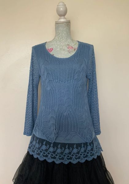 Light Blue Long Sleeve Lace Jumper Fully Lined Size 10-12 Loose fit.