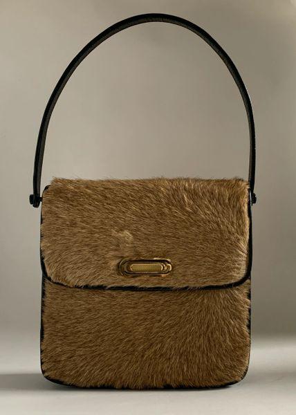 Vintage 1960s Kangaroo Leather Handbag Shoulder Bag With Black Suede & Leather Lining.