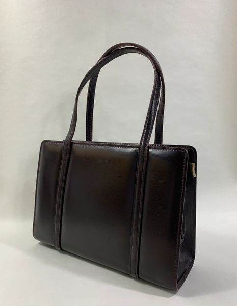 Vintage 1960s Brown Soft Calf Leather Handbag With Brown Leather Lining With Pull Out Hidden Clasp