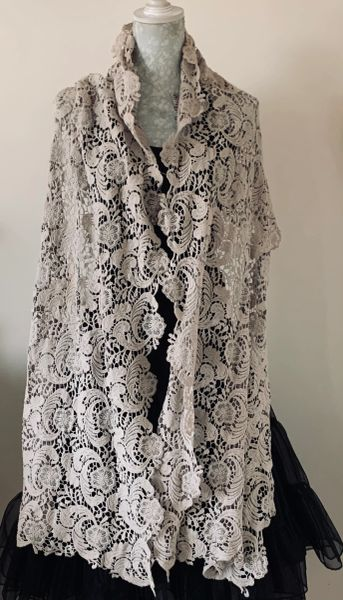 """Vintage Inspired Dusky Pink 90"""" Scallop Edged Lace Neck Scarf Shawl Wrap Stole."""