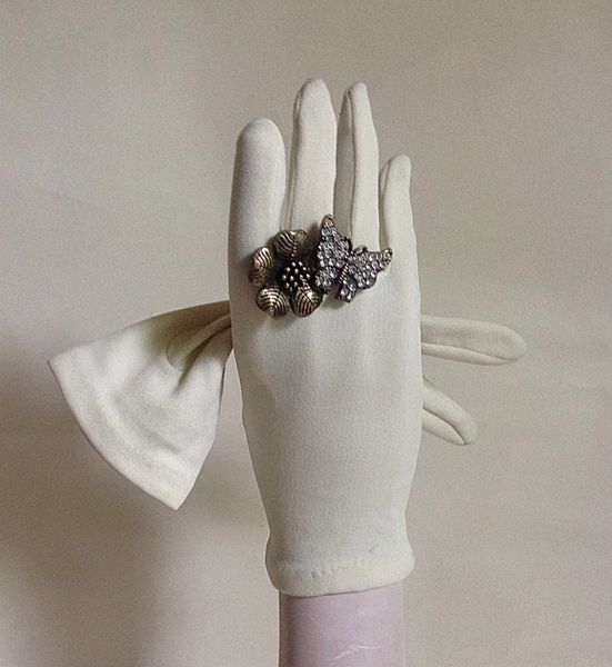Vintage 1960s Nylon Ivory Dress Gloves Wedding Church Evening One Size 6 Small