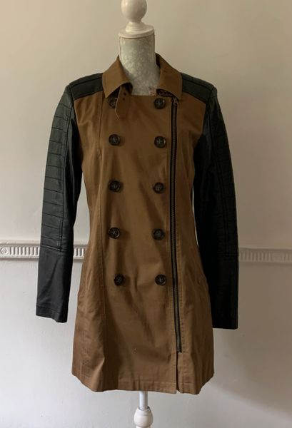 River Island Tan Cotton & Black Polyurethane Double Breasted Zip Up Short Coat Size 12.