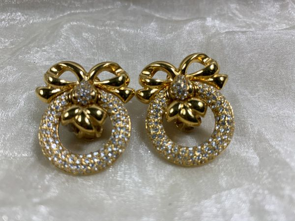 WD Vintage 1980 Goodtoned Bow & Ring Shaped Diamanté Large Clip On Earrings.