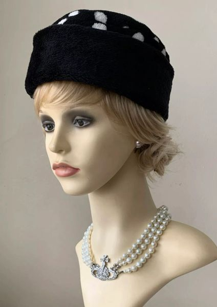 DENTS Vintage Black White Polka Dot Spotted Cotton Blend Fur Pillbox Hat With Black Quilted Lining