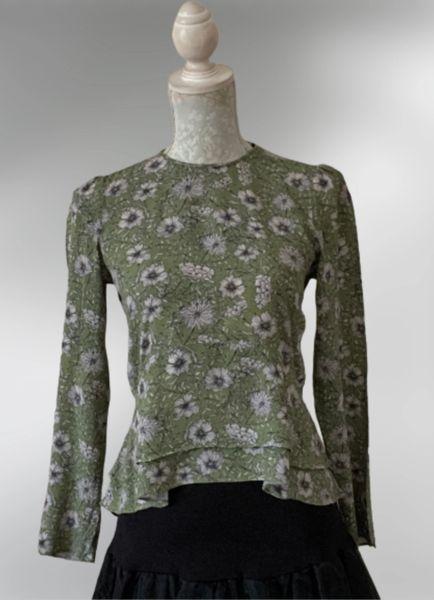 Green Floral Round Neck Long Sleeve Frilled Hem Viscose Blouse Top UK Size 8.