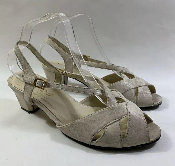 Van Dal Vintage 1970s Ivory Leather 2 Inch Heel Open Toe Slingback Sandals Size UK 7 EU 40