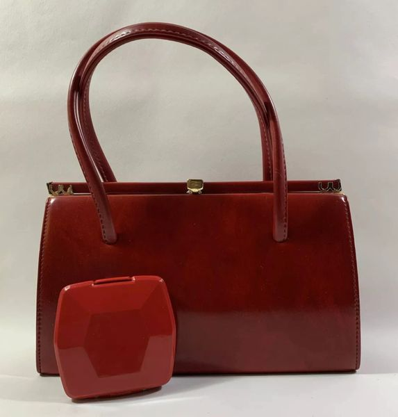 Freedex Vintage 1960s Red Faux Leather Handbag Buff Suede Lining Elbief Frame And Red Plastic Mirror Compact