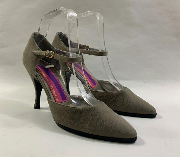 Susan Bennis Warren Edwards Khaki Suede Almond Toe Mary Jane Stiletto Shoe Size UK 6 EU 39