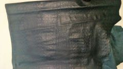 Leather Cow Hide Black Embossed Croc 29 sq.ft 2 oz/1mm