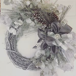traditional wreath, silver wreath, pinecone wreath, wedding wreath, glitter wreath, white christmas