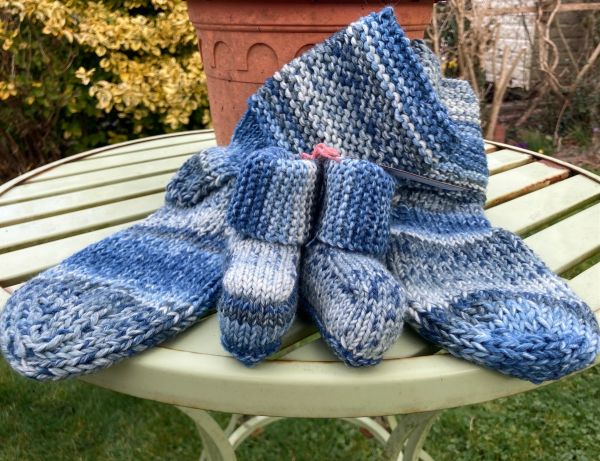Cosy Toes with Matching Baby Booties Blues
