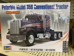 Peterbuilt 359 Conventional Tractor Model Kit