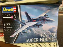 F/A-18E Super Hornet 1/32 (Advanced Level 5)