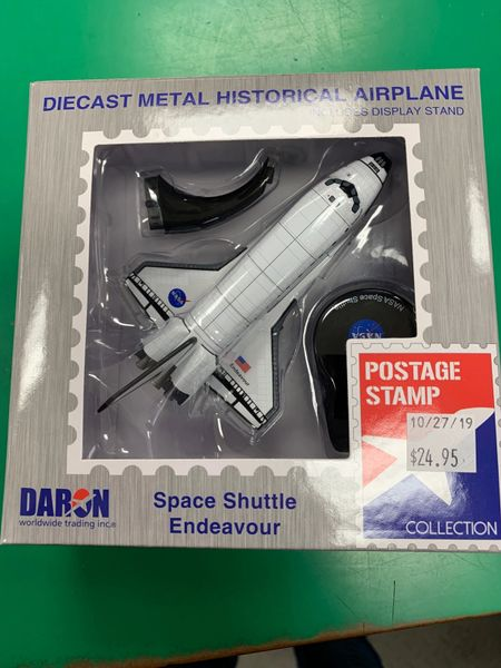 PS5823 1/300 Space Shuttle Endeavor Die Cast Metal Historical Airplane