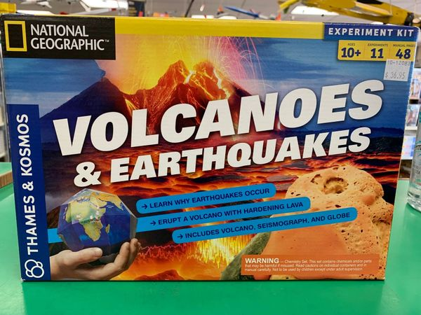 Volcanoes & Earthquakes Kit