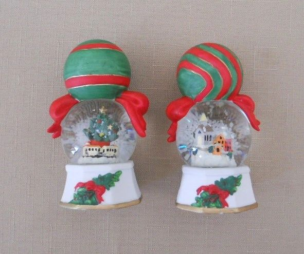 Pfaltzgraff Snow Globe Salt & Pepper Set