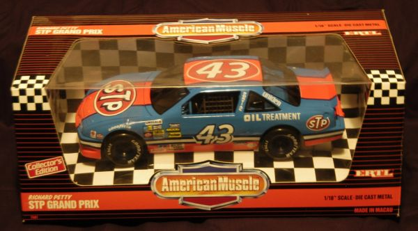 Richard Petty STP Grand Prix ERTL Collector Metal Car