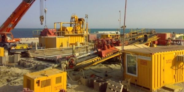 HDD , horizontal directional drilling site