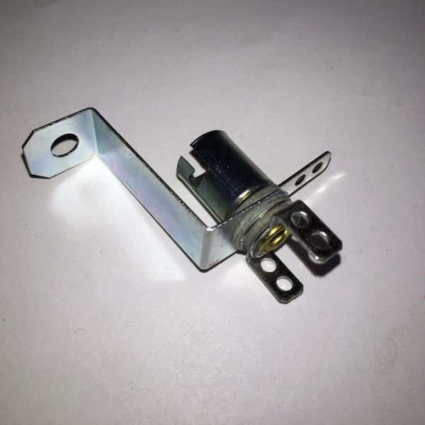 077-5009-00 Lamp Socket #44 with Long Bracket and three Tabs