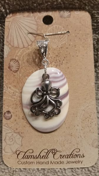 Clamshell Pendant with Octopus