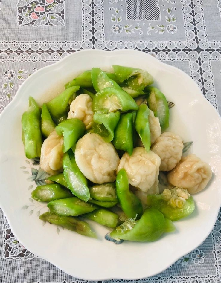 Three mushroom with fish ball