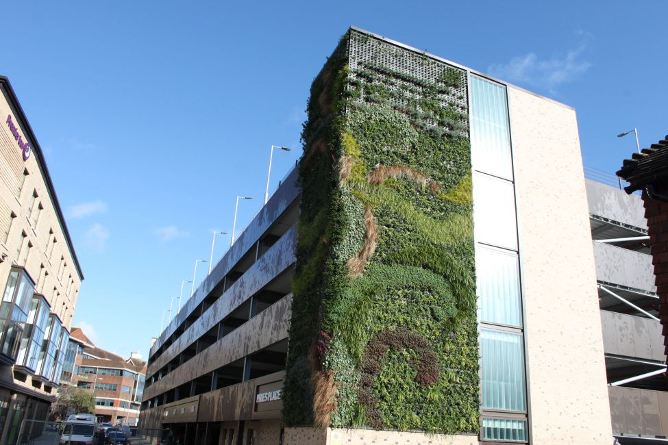 Pilkington Profilit by Glass Profiled Solutions - Piries car park Living Wall