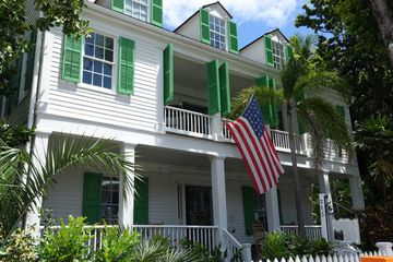 Town of Key West, FL. Charter flights to Key West Airport from Miami, Fort Lauderdale Cessna Caravan
