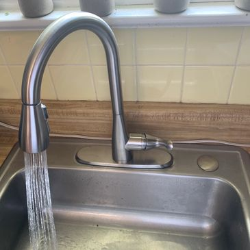 Kitchen sink replacement, Kitchen faucet