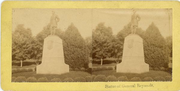 Mumper Stereo View of Statue of Reynolds