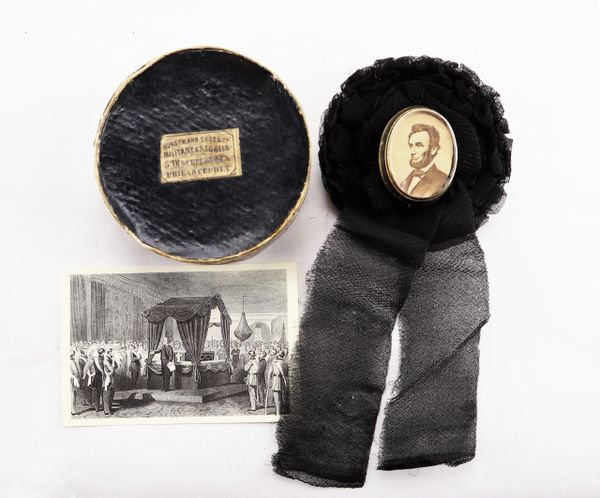 Abraham Lincoln Mourning Locket / On-hold